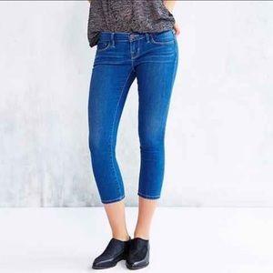 BDG  Low Rise Twig Crop Jeans Blue Sz 27